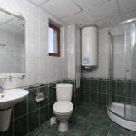 52-vemara-club-villa-bathroom