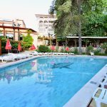 estreya_outdoor-pool-1