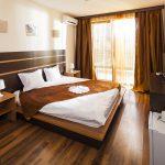 hotel_room1
