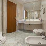 m_18asolmarinapalace-bathroom