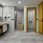 m_suit-bathroom