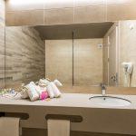 11-bathroom-2